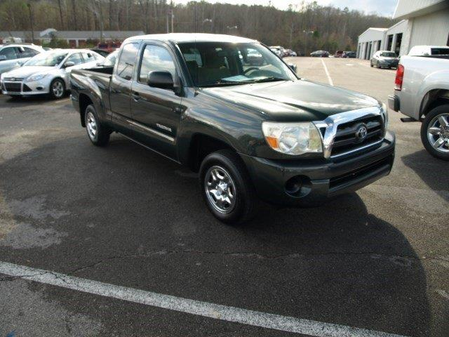 2009 TOYOTA TACOMA BASE 4X2 4DR ACCESS CAB 61 FT green delivers 26 highway mpg and 20 city mpg