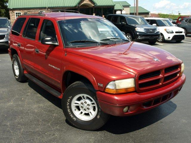 2000 DODGE DURANGO unspecified only 181403 miles boasts 18 highway mpg and 14 city mpg this do