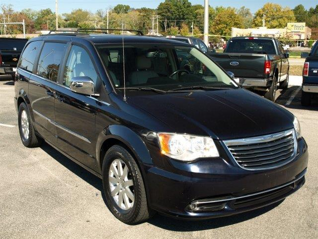 2011 CHRYSLER TOWN AND COUNTRY TOURING-L 4DR MINI VAN unspecified scores 25 highway mpg and 17 ci