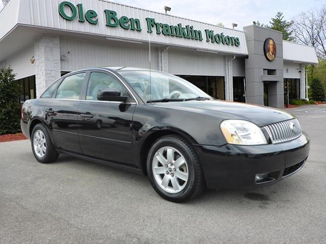 2005 MERCURY MONTEGO LUXURY 4DR SEDAN black only 84608 miles boasts 29 highway mpg and 21 city