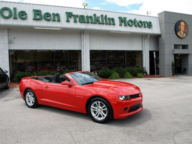 2015 CHEVROLET CAMARO LT 2DR CONVERTIBLE W1LT unspecified scores 27 highway mpg and 18 city mpg