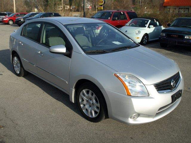 2012 NISSAN SENTRA silver were excited to offer this impressive 2012 nissan sentra  zone body c