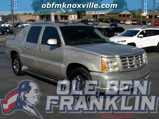 2004 CADILLAC ESCALADE EXT BASE AWD 4DR CREW CAB SB unspecified only 119257 miles delivers 17 h