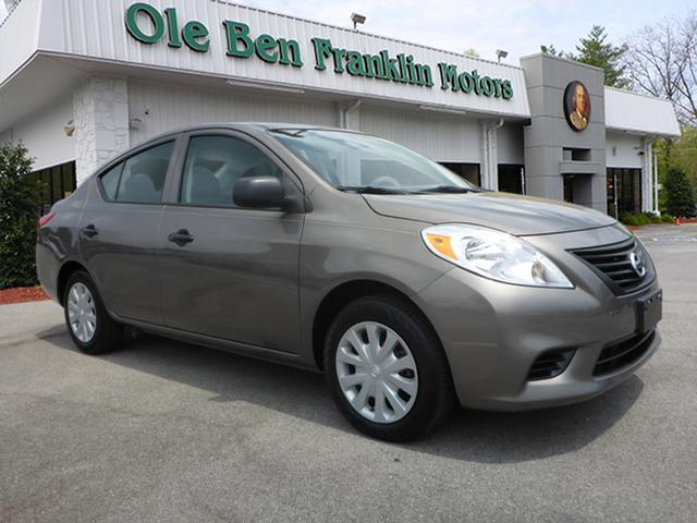 2014 NISSAN VERSA 16 S PLUS PLUPLU4DR SEDAN dk gray great gas saver  come by today to see t