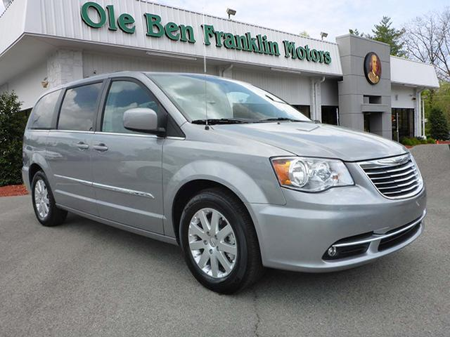 2016 CHRYSLER TOWN AND COUNTRY TOURING 4DR MINI VAN silver wow 2016  rear entertainment navi