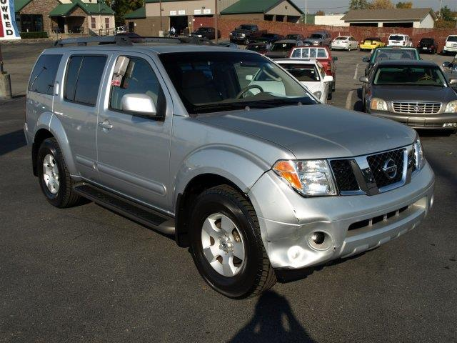 2006 NISSAN PATHFINDER SE 4DR SUV unspecified boasts 23 highway mpg and 16 city mpg this nissan