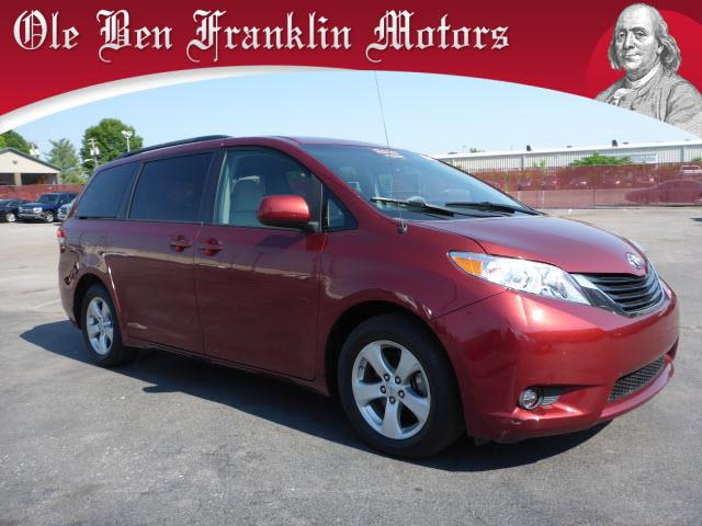 2013 TOYOTA SIENNA LE 7-PASSENGER AUTO ACCESS SEAT dk red crumple zones frontcrumple zones rear