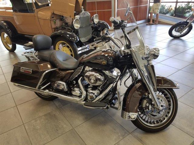 2013 HARLEY-DAVIDSON ROAD KING brown were excited to offer this reliable 2013 harley davidson ro