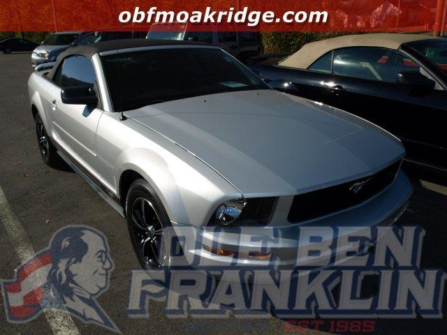 2007 FORD MUSTANG DELUXE satin silver metallic only 74014 miles scores 28 highway mpg and 19 ci