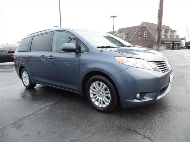2014 TOYOTA SIENNA XLE 8-PASSENGER 4DR MINI VAN dk blue crumple zones front and rearsecurity an