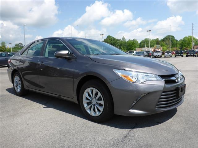 2015 TOYOTA CAMRY LE 4DR SEDAN dk gray toyota quality  camry number 1 selling sedan in