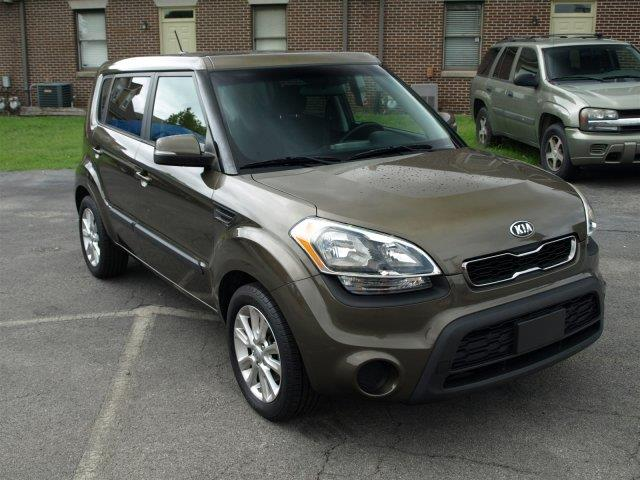2013 KIA SOUL  4DR WAGON 6A green scores 28 highway mpg and 23 city mpg this kia soul boasts a