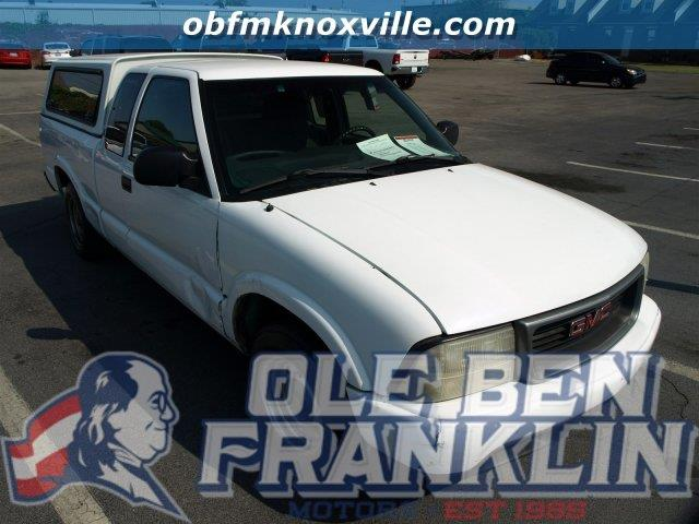 2000 GMC SONOMA summit white only 154707 miles scores 29 highway mpg and 23 city mpg this gmc