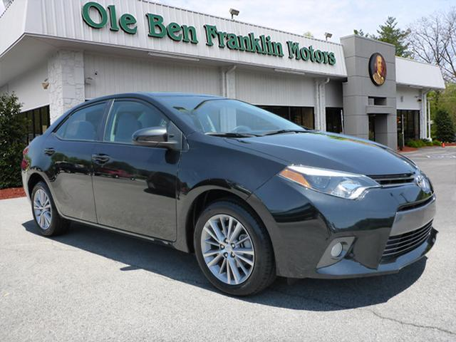 2015 TOYOTA COROLLA LE 4DR SEDAN black summer time is here open the sunroof and turn up the