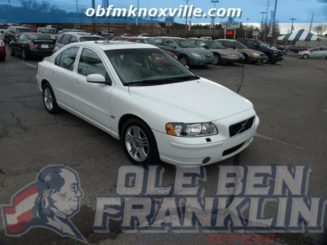 2006 VOLVO S60 25T 4DR SEDAN ice white scores 30 highway mpg and 21 city mpg this volvo s60 del