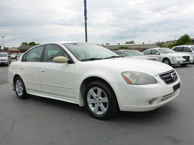 2003 NISSAN ALTIMA 25 S 4DR SEDAN white air conditioning - frontairbags - front - dualsteering