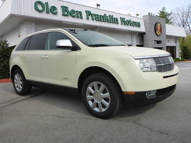 2007 LINCOLN MKX BASE AWD 4DR SUV white scores 24 highway mpg and 17 city mpg this lincoln mkx d