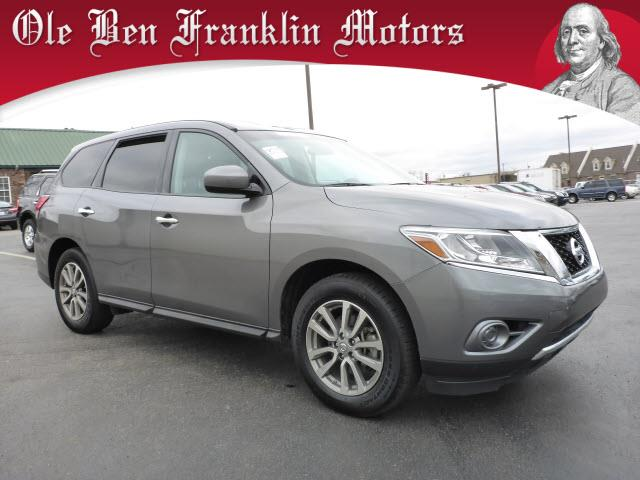 2015 NISSAN PATHFINDER S gray nissan 3rd row  aggressive styling fun to drive and all the room
