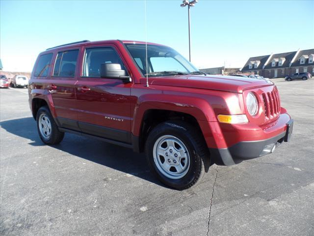 2015 JEEP PATRIOT SPORT 4X4 4DR SUV red impact sensor post-collision safety systemcrumple zones