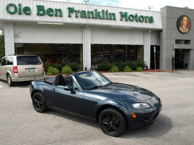 2006 MAZDA MX-5 MIATA MX-5 nordic green mica only 94794 miles boasts 30 highway mpg and 25 city