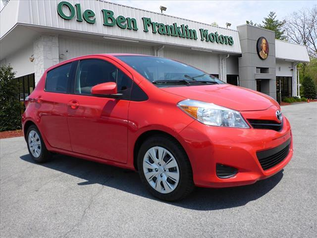 2014 TOYOTA YARIS 5-DOOR L 4DR HATCHBACK red wow great first time buyer vehicle  brilliant r