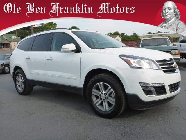 2016 CHEVROLET TRAVERSE LT 4DR SUV W1LT white boasts 22 highway mpg and 15 city mpg this chevro