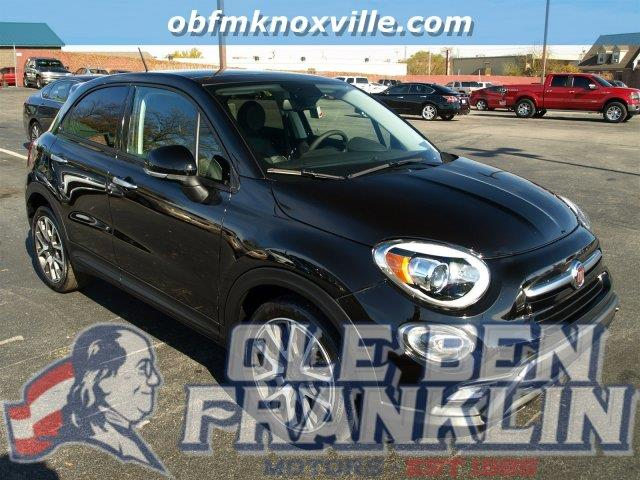 2016 FIAT 500X TREKKING PLUS 4DR CROSSOVER nero cinema black clear coat boasts 31 highway mpg a