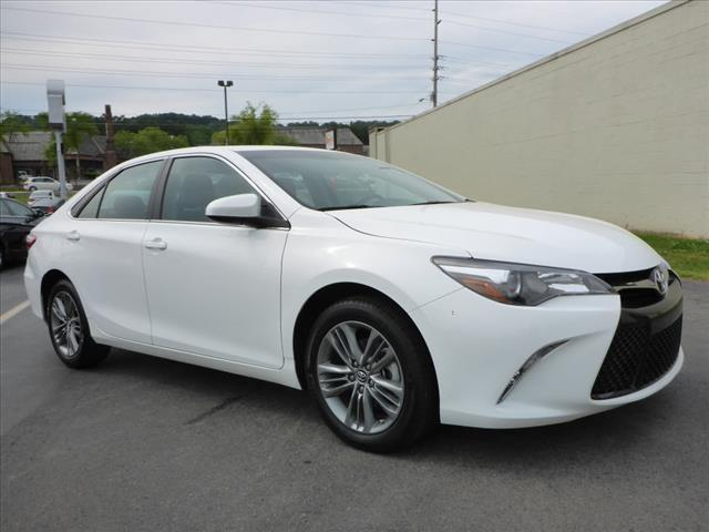 2015 TOYOTA CAMRY SE 4DR SEDAN white rear view camerarear view monitor in dashstability control