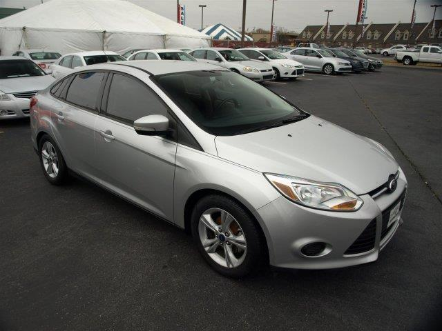 2014 FORD FOCUS SE 4DR SEDAN silver scores 36 highway mpg and 26 city mpg this ford focus delive