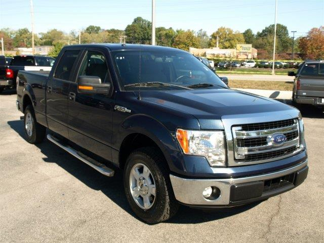 2014 FORD F-150 blue delivers 21 highway mpg and 15 city mpg this ford f-150 delivers a regular