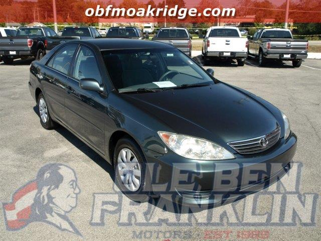 2005 TOYOTA CAMRY LE 4DR SEDAN green delivers 33 highway mpg and 24 city mpg this toyota camry b