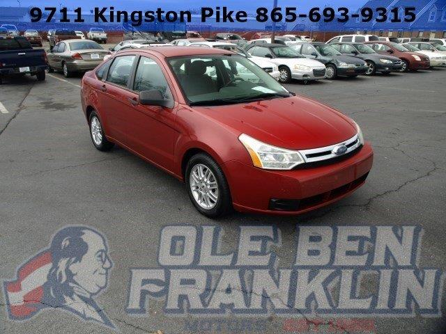 2009 FORD FOCUS SE 4DR SEDAN sangria red metallic boasts 35 highway mpg and 24 city mpg this for