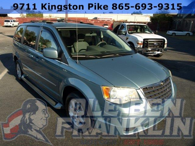 2009 CHRYSLER TOWN AND COUNTRY TOURING MINI VAN 4DR clearwater blue pearl scores 23 highway mpg a