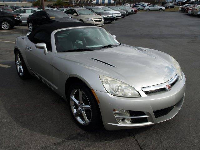 2007 SATURN SKY BASE 2DR CONVERTIBLE silver pearl only 106189 miles boasts 28 highway mpg and 2