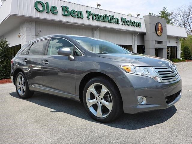2011 TOYOTA VENZA AWD V6 4DR CROSSOVER magnetic gray metallic delivers 25 highway mpg and 18 city