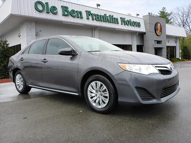 2014 TOYOTA CAMRY LE 4DR SEDAN gray toyota quality and reliable  save money cloth interior  d