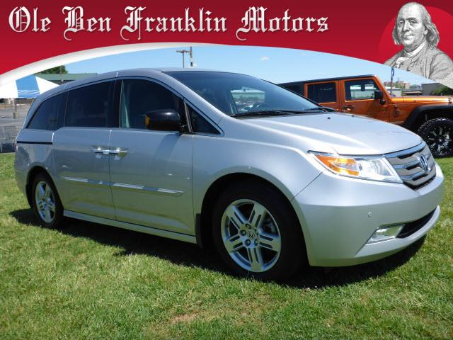 2012 HONDA ODYSSEY TOURING 4DR MINI VAN silver navigationpower sunroofnavigation system with vo
