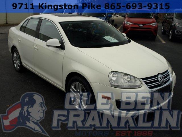 2007 VOLKSWAGEN JETTA 25 4DR SEDAN 25L I5 6A white only 95002 miles scores 30 highway mpg a
