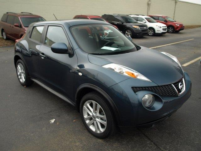 2013 NISSAN JUKE S 4DR CROSSOVER unspecified delivers 32 highway mpg and 27 city mpg this nissan