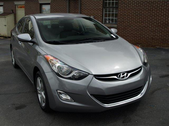 2013 HYUNDAI ELANTRA GLS PZEV titanium gray metallic only 27842 miles delivers 38 highway mpg a