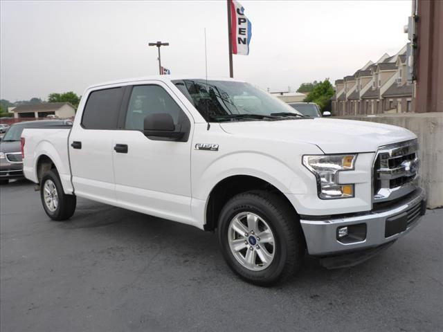 2015 FORD F-150 XLT white look look look 6 passenger truck take the whole family camping