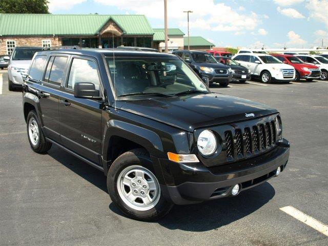 2016 JEEP PATRIOT SPORT 4DR SUV black clearcoat come see this impressive 2016 jeep patriot  wire