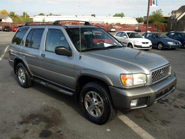 2000 NISSAN PATHFINDER SE 4DR 4WD SUV unspecified boasts 19 highway mpg and 15 city mpg this nis