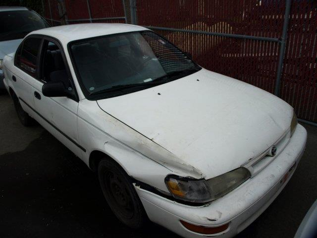 1995 TOYOTA COROLLA DX 4DR SEDAN white check out this capable 1995 toyota corolla dx wide body-s