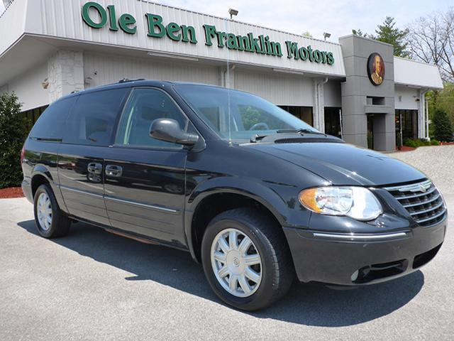2005 CHRYSLER TOWN AND COUNTRY 4DR unspecified abs brakes 4-wheelair conditioning - frontair