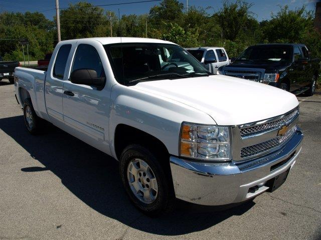 2012 CHEVROLET SILVERADO 1500 LT 4X4 4DR EXTENDED CAB 65 FT summit white scores 21 highway mpg