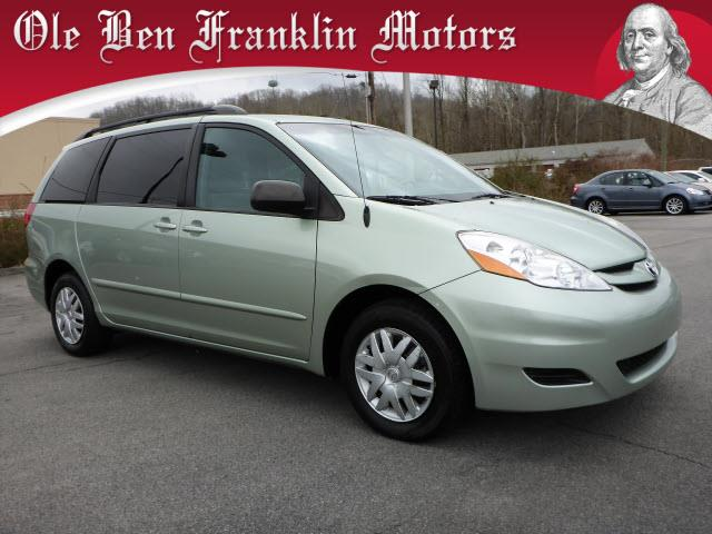 2010 TOYOTA SIENNA LE 7-PASSENGER 4DR MINI VAN lt green crumple zones front and rearstability c