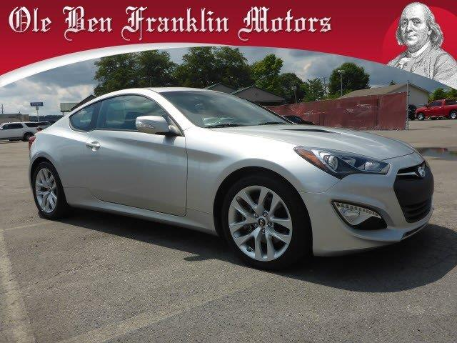 2013 HYUNDAI GENESIS COUPE 38 R-SPEC 2DCOUPE silver only 30740 miles scores 27 highway mpg and