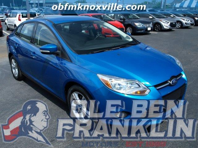 2013 FORD FOCUS SE 4DR SEDAN blue only 11834 miles boasts 36 highway mpg and 26 city mpg this
