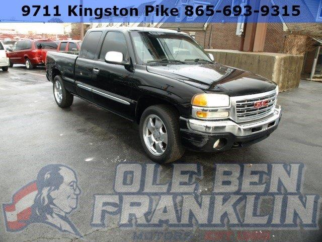 2006 GMC SIERRA 1500 onyx black delivers 20 highway mpg and 16 city mpg this gmc sierra 1500 boa